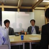 インタビューに応える岡村社長